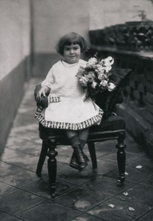 Frida Kahlo at age 4 (Photo: Guillermo Kahlo)
