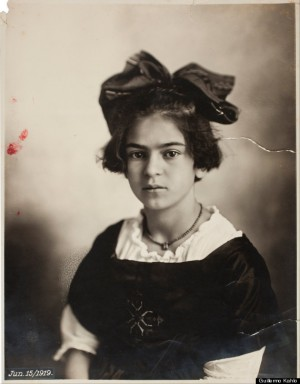 o-YOUNG-FRIDA-KAHLO-570