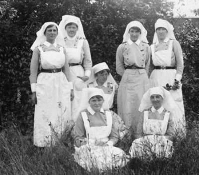 nursing-sister-aprons