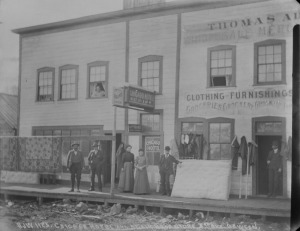 Chicago Hotel and Adair Bros. Store, 1901 (Photo credit: Library and Archive of Canada